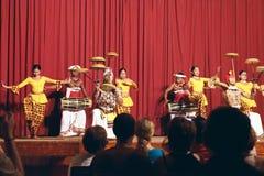 康提,斯里兰卡, 2011年10月22日:Kandyan舞蹈表现 免版税库存照片