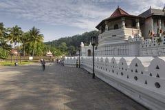 康提,斯里兰卡- 12月01 : 2016年:神圣的喇叭的寺庙 库存照片