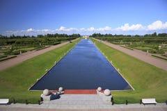 康斯坦丁宫殿的大运河, Strelna 图库摄影
