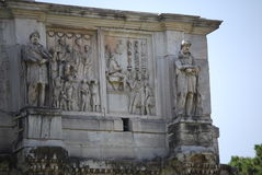 康斯坦丁曲拱在罗马下个大剧场 免版税库存图片