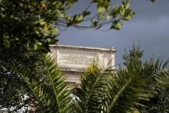 康斯坦丁曲拱在罗马广场 图库摄影