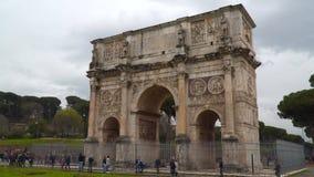 康斯坦丁曲拱是一个凯旋门在罗马,位于在Colosseum和Palatine小山之间 股票录像