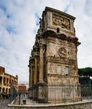 康斯坦丁曲拱是凯旋门在罗马 免版税库存照片