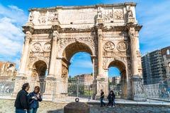 康斯坦丁曲拱罗马斗兽场的 库存照片