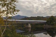 康沃尔温莎被遮盖的桥 免版税库存照片