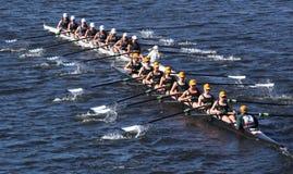康涅狄格小船俱乐部在查尔斯头赛跑  免版税图库摄影