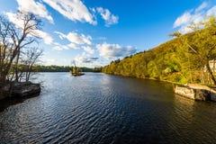 康涅狄格河的看法从Brattleboro佛蒙特状态林的 免版税图库摄影