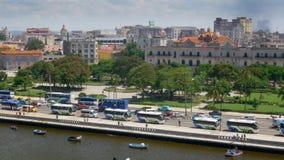 建立射击哈瓦那古巴地平线的慢移动式摄影车 影视素材