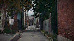建立巷道的射击在少数民族居住区邻里 股票录像