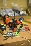 建筑和工具在桌上 免版税图库摄影