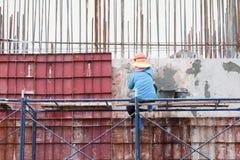 建筑在建筑工地和工作者工作场所 库存照片