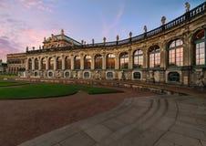 建筑学在德累斯顿老镇,平衡foto 库存照片