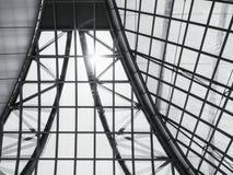 建筑学屋顶玻璃钢结构样式背景 免版税图库摄影
