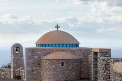 建筑学教堂圆顶,希腊细节  免版税库存照片
