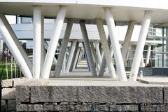 建筑学,大厦的专栏 图库摄影
