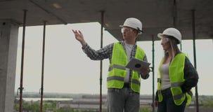 建筑工程师画象工作在建筑工地的 股票视频