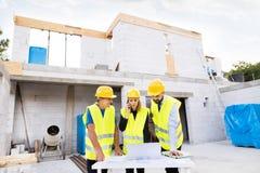 建筑师和工作者建造场所的 免版税库存图片