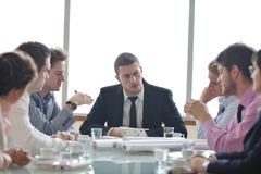 建筑师在会议的企业小组 库存照片