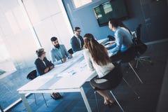 建筑师的图片开会议在办公室 库存图片