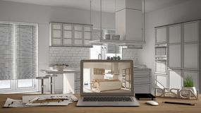 建筑师设计师桌面概念,在木工作书桌上的膝上型计算机有显示室内设计项目的屏幕的,弄脏了在b的草稿 免版税图库摄影