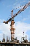 建筑用起重机站点黄色 免版税库存照片