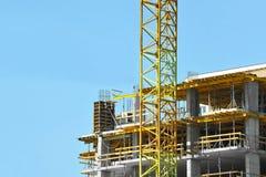 建筑用起重机高层站点 免版税库存照片