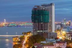 建筑秀丽风帆桥梁韩桥梁,岘港市越南 库存图片