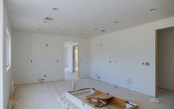 建设中,改造,整修、引伸、恢复和重建的过程 库存图片