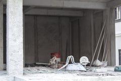 建造场所和有些工具 免版税库存照片