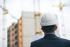 建造者研究一个新的项目 免版税库存照片