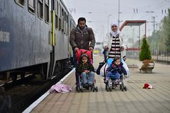 离开匈牙利的难民 免版税库存图片