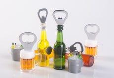 开启者或瓶盖启子在背景 图库摄影