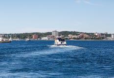 离开哈利法克斯港口的轮渡 免版税库存图片