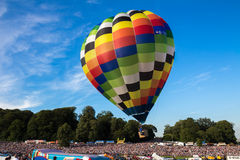 离开在布里斯托尔国际气球节日 免版税库存照片