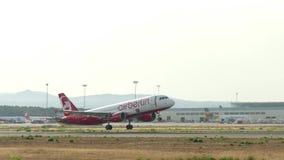 离开在马略卡机场的乘客飞机 股票录像