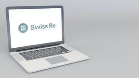 开头和关闭的膝上型计算机有瑞士再商标的 4K社论动画 库存例证