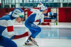 开始两个溜冰者人 免版税库存照片