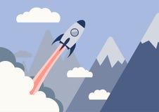 开始企业概念、平的设计、火箭云彩和山 免版税库存照片