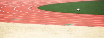 开始赛马跑道栅格在体育场的 库存图片