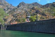 开始运载的卡塔赫钠市建筑的1586 1721次攻击被设计结束其老持续的顺序保护遭受的阶段围住墙壁是 库存图片