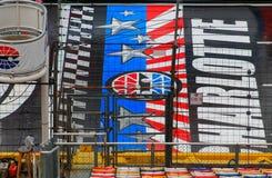开始终点线在夏洛特汽车赛车场 库存照片