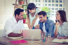 开小组年轻的同事会议 免版税库存图片