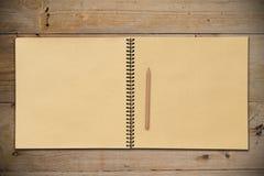 开张铅笔写生簿 免版税库存照片