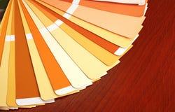 开张pantone范例颜色目录 免版税图库摄影