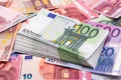 开户欧洲欧元五重点一百货币附注绳索 库存照片