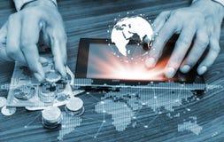 开户流动银行业务概念的网路银行和互联网 库存照片