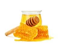 开户用新鲜的蜂蜜和蜂窝在白色背景 免版税图库摄影