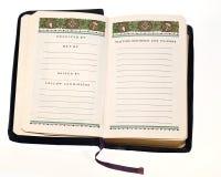 开放圣经的互济会会员 免版税库存照片