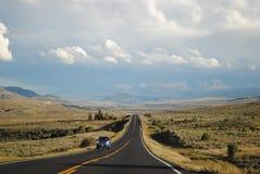 开放在狂放的西部的路 免版税库存照片