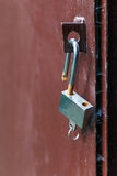开放挂锁的钥匙 库存照片